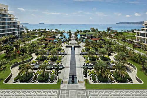 """""""美称的国际热带海滨风景旅游区——海南三亚"""
